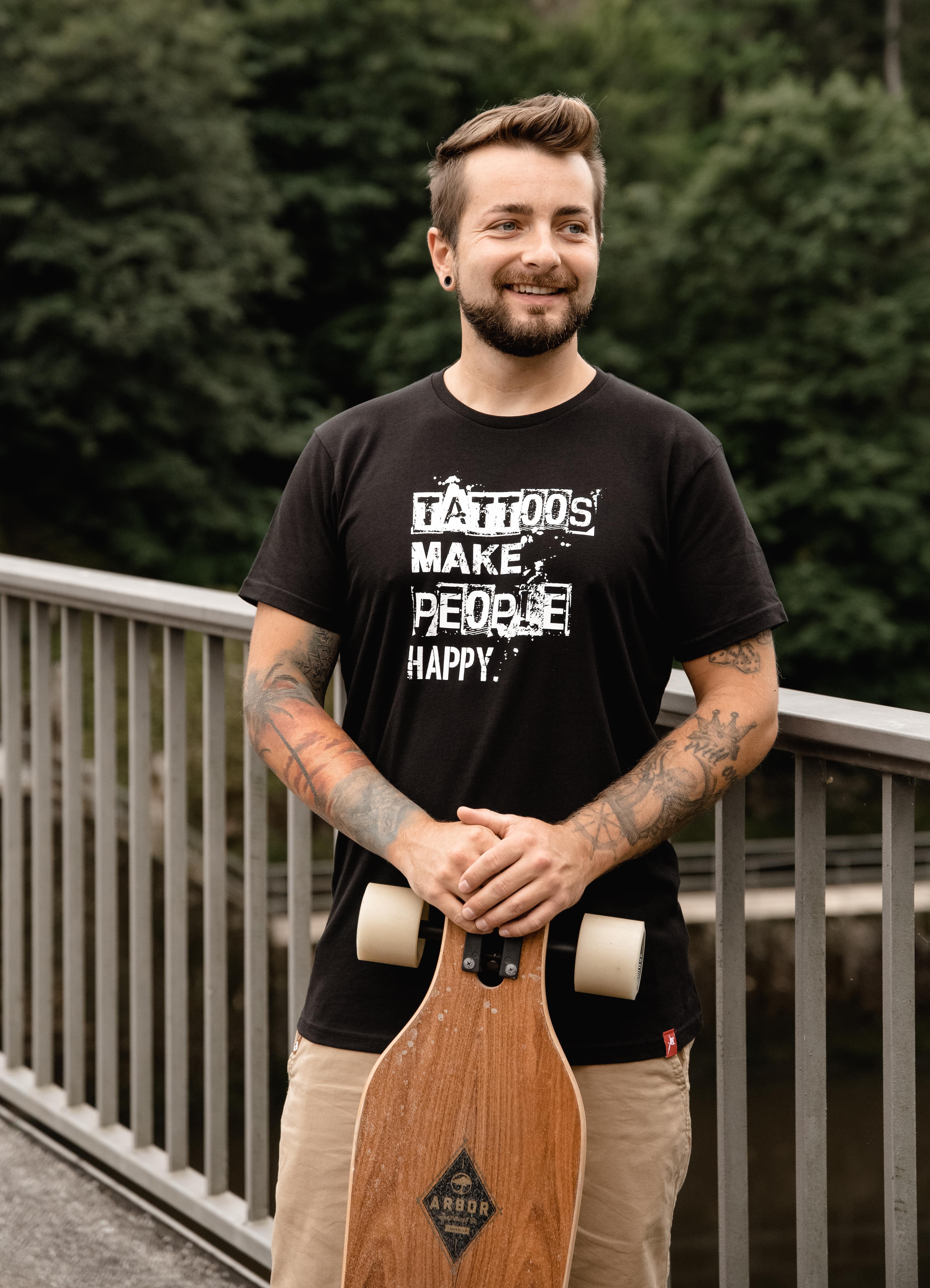 """T-Shirt Men """"Tattoos make People happy"""" schwarz"""